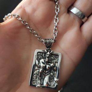 NWT 3D Horned Devil Skull Necklace